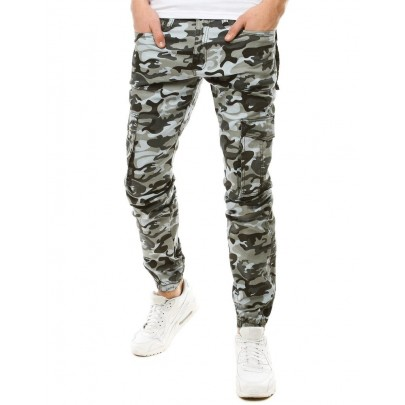 Moderné pánske sivé nohavice s army vzorom ux2790