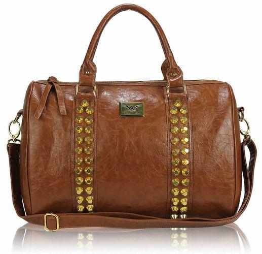 Štýlová vybíjaná kabelka - hnedá
