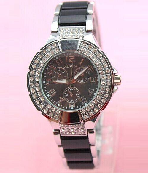 Dámske vykladané hodinky Geneva - strieborné All Black